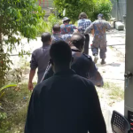 PNG Police arrest award winning journalist @BehrouzBoochani as #Manus brutality breaks #auspol: @Jansant reports